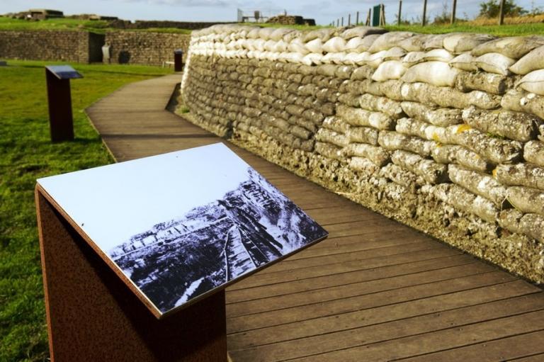 La Défense, le Musée Royal de l'Armée et l'agence Waterwegen en Zeekanaal se sont associés pour rénover le site en profondeur.